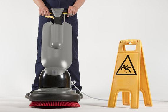 L'entretien des locaux professionnels par notre entreprise de nettoyage est réalisé par un agent de propreté spécialisé dans le nettoyage des bureaux et l'entretien des parties communes. Le devis de nettoyage est gratuit.